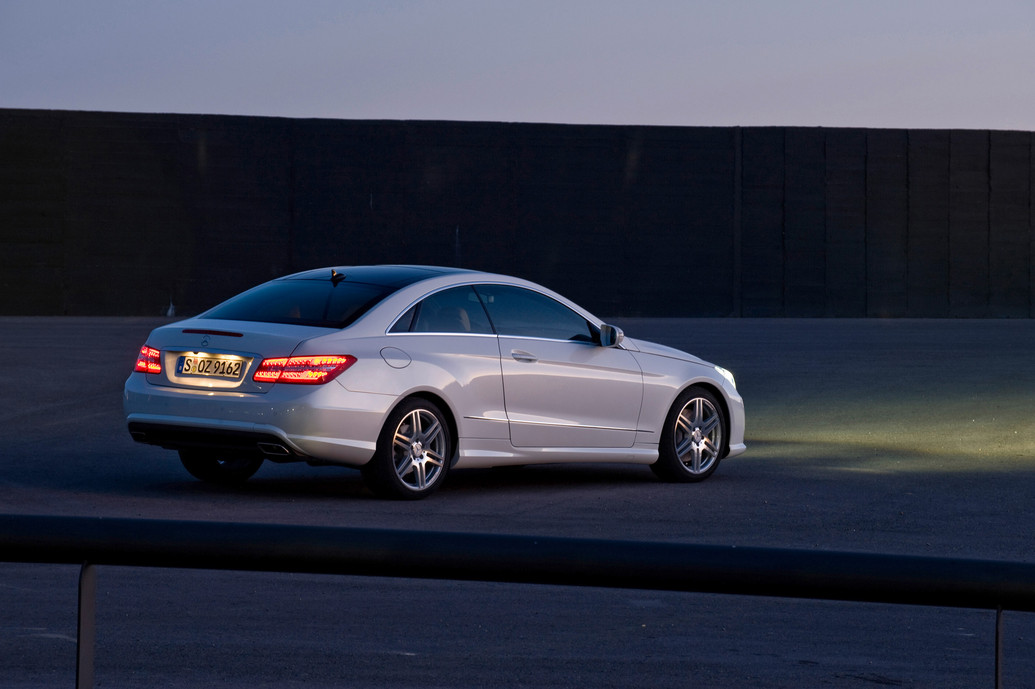 2011 mercedes benz e class e350 coupe features photos
