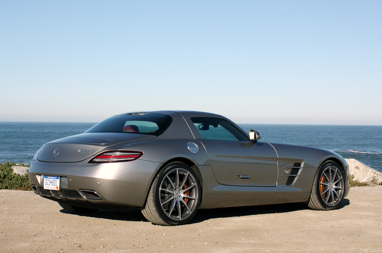 2011 mercedes benz sls amg photos specifications price. Black Bedroom Furniture Sets. Home Design Ideas