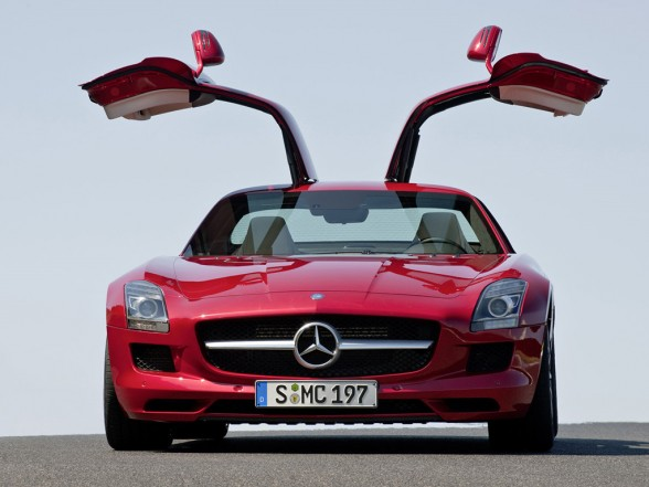 2011 Mercedes Benz SLS AMG Gullwing Red Front Door Open View 588x441 2011 Mercedes Benz SLS AMG   Photos, Specifications, Price, Reviews