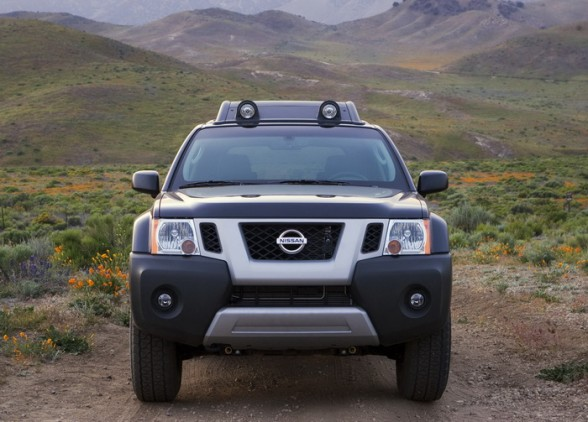2011 Nissan X Terra Front View1 2011 Nissan Xterra   Reviews, Photos, Price, Features