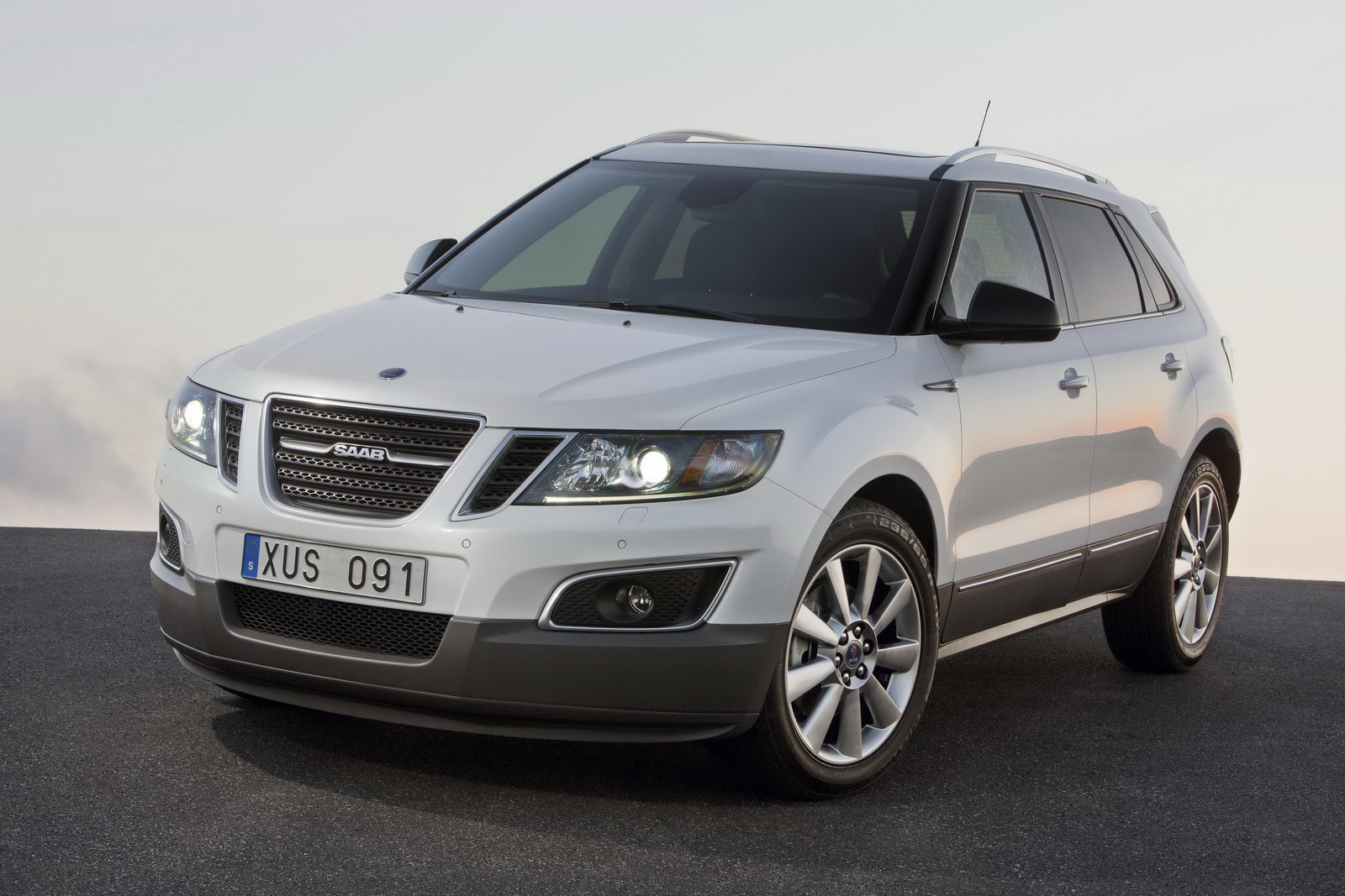 2011 Saab 9 4X 14 2011 Saab 9 4X SUV   Photos, Specifications, Review, Price
