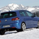 2011 Volkswagen Golf R (6)