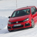 2011 Volkswagen Golf R (9)
