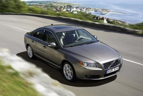 2011 Volvo S80 image e1288892882539 2011 Volvo S80   Photos, Features, Price