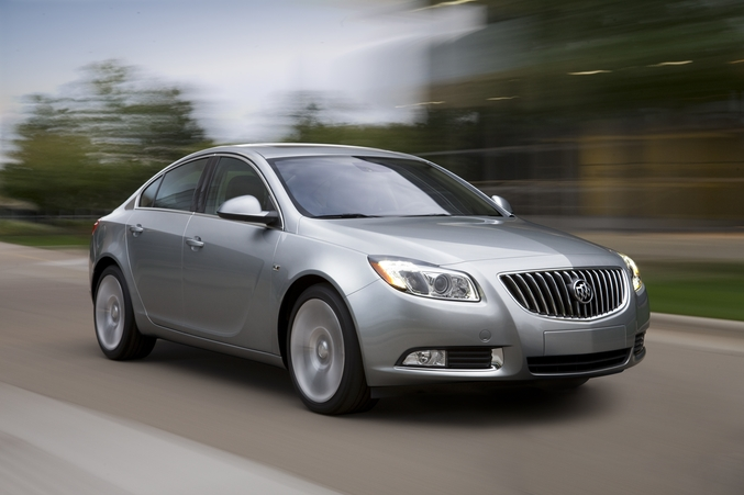 2011 buick lucerne 2011 Buick Lucerne   Features, Photos, Price, Reviews