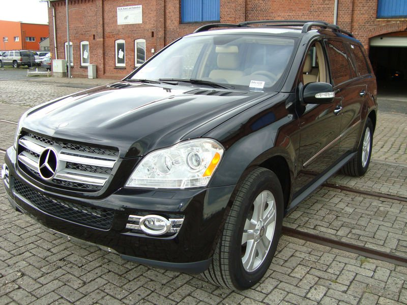 2011 mercedes benz gl class 2011 Mercedes Benz GL Class   Features, Photos, Price, Reviews