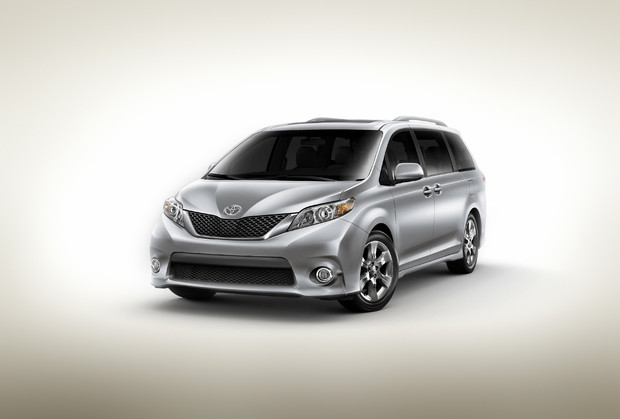 2011 toyota sienna se 1 620 New 2011 Toyota Sienna   Photos, Reviews, Specifications, Price