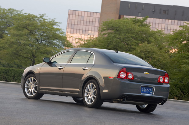 2011 Chevrolet Malibu   Features, Photos, Price