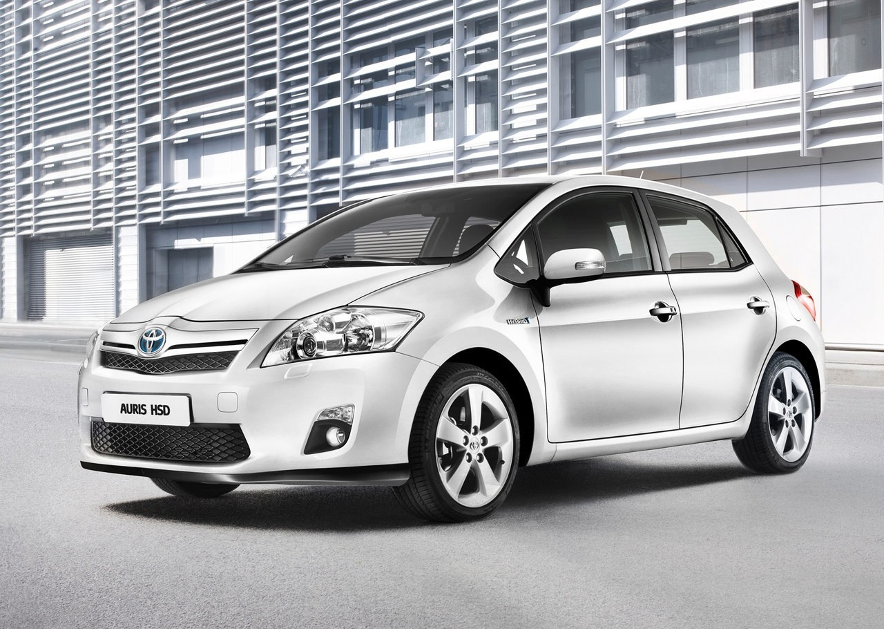 2011 toyota auris hsd features photos price. Black Bedroom Furniture Sets. Home Design Ideas