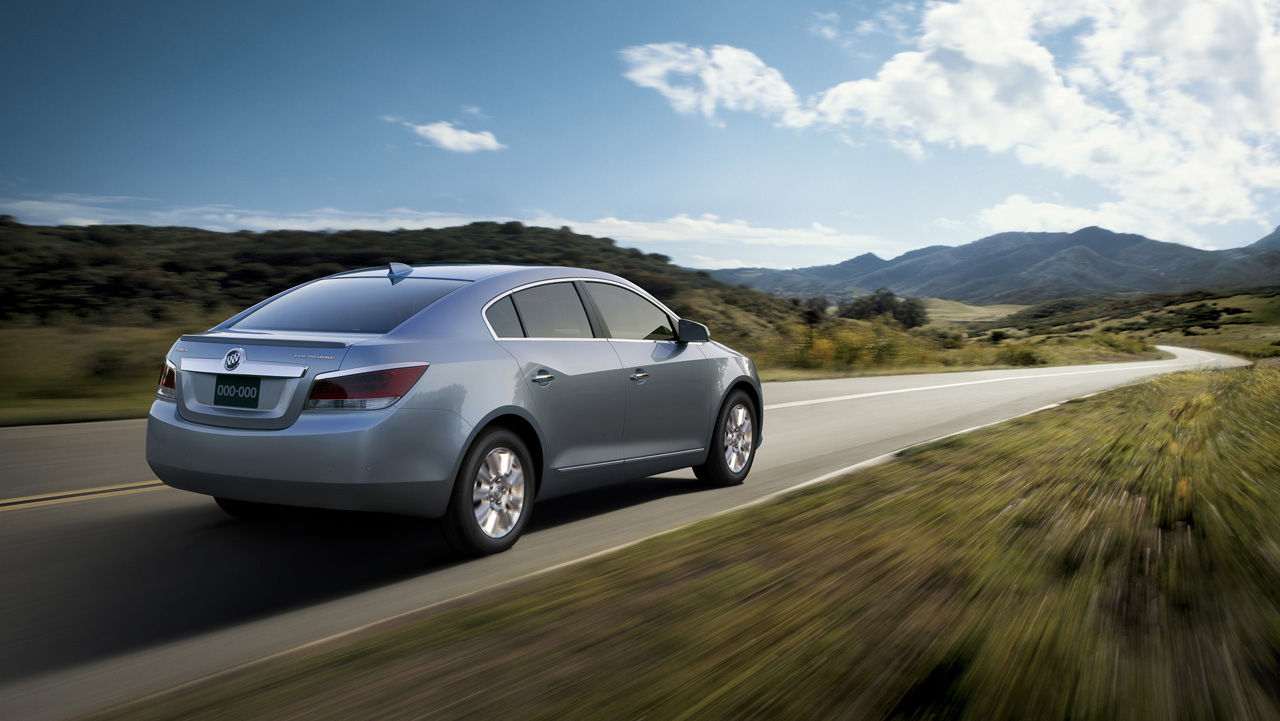 2012 buick lacrosse with e assist technology 004 2012 Buick LaCrosse   Features, Photos