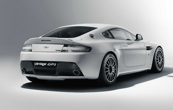 Aston Marin Vantage GT4 Racer for 2011 Picture 2011 Aston Martin Vantage GT4 Racer   Features, Photos, Price