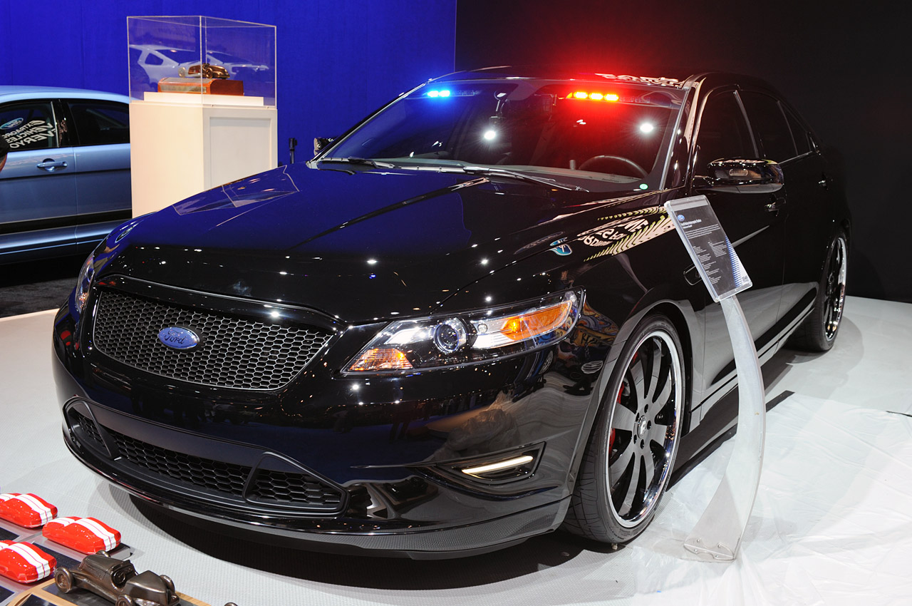 Ford Crown Victoria Police Interceptor >> Ford Police Interceptor Stealth – Photos, Specifications ...