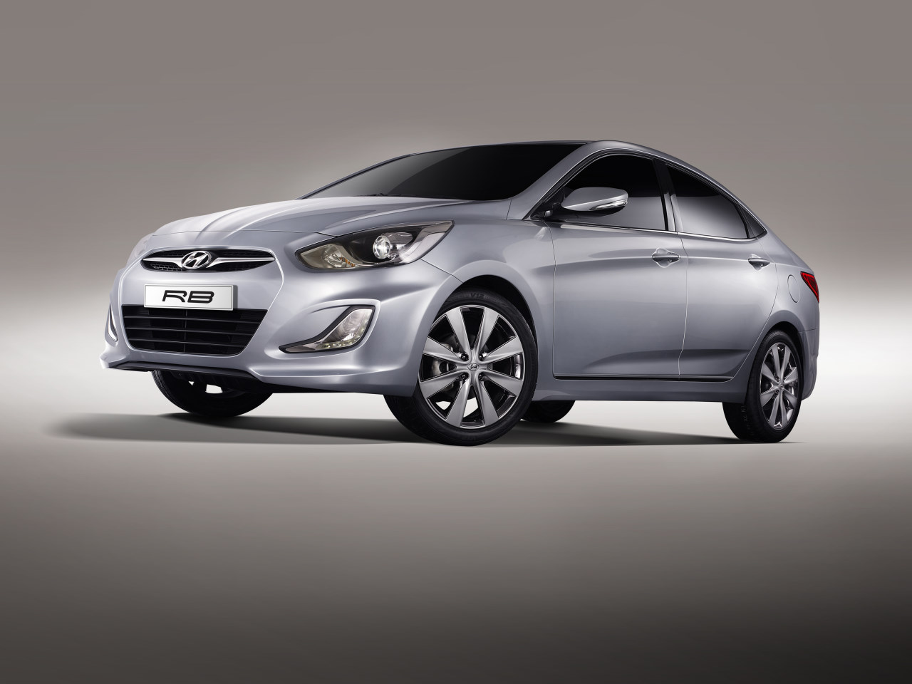 Hyundai RB Concept 5 lg Hyundai RB Concept   Photos, Features, Reviews, Price