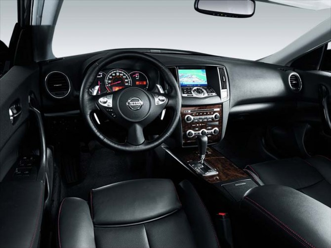 Nissan Maxima 2011 Interior View 670x502 2011 Nissan Maxima   Photos, Features, Price