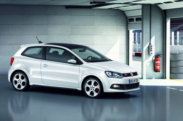 Volkswagen Polo R 2012 1 587x391 The All New 2012 Volkswagen Polo R for a New Level of Riding Comfort