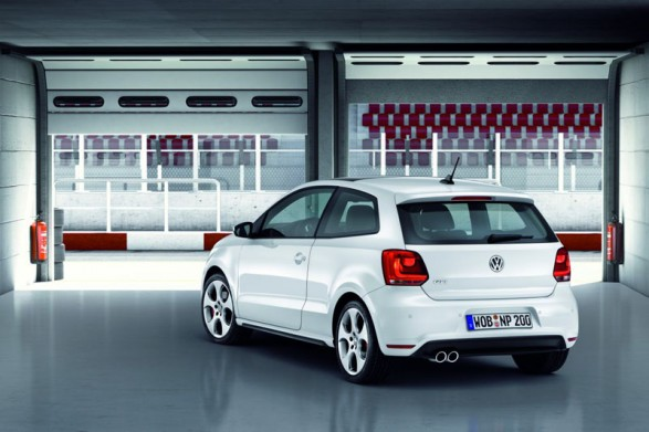 Volkswagen Polo R 2012 2 587x391 The All New 2012 Volkswagen Polo R for a New Level of Riding Comfort