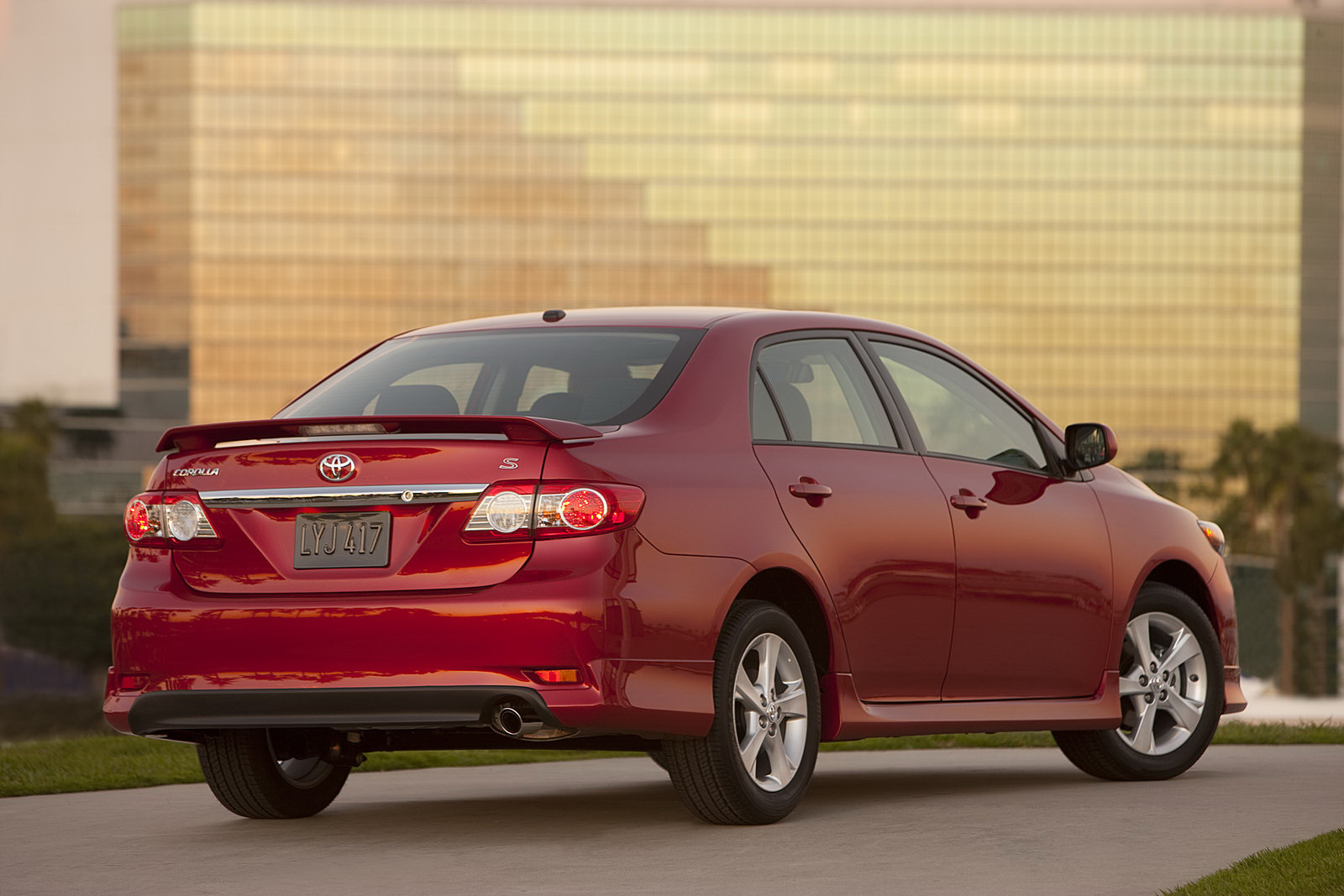 a 2011 Toyota Corolla Facelift   Photos, Features