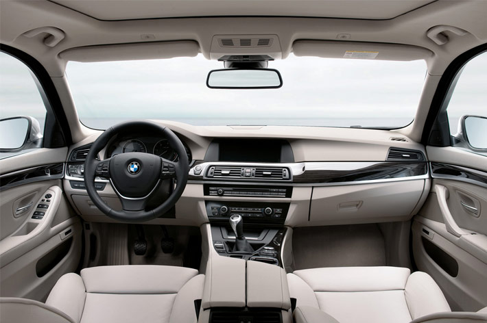 f11 10 2011 BMW 5 Series Touring F11   Photos, Features, Price