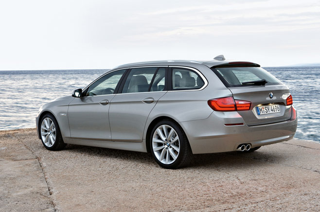 f11 7 2011 BMW 5 Series Touring F11   Photos, Features, Price