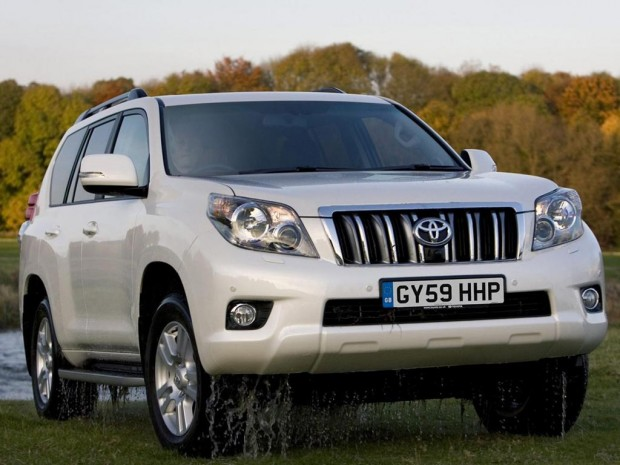 front view 2011 Toyota Land Cruiser 620x465 2011 Toyota Land Cruiser   Reviews, Photos, Price, Specifications