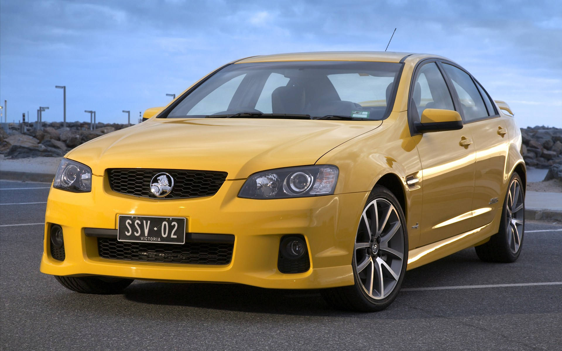 2011 Holden Ve Ii Commodore Ssv Features Photos