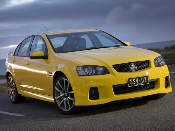 2011 Holden VE II Commodore SSV Front Side View 1 2011 Holden VE II Commodore SSV   Features, Photos
