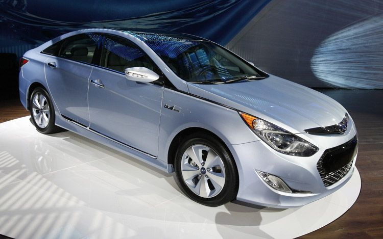 2011 Hyundai Sonata Hybrid Gas Mileage Version (1)