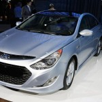 2011 Hyundai Sonata Hybrid Gas Mileage Version (2)