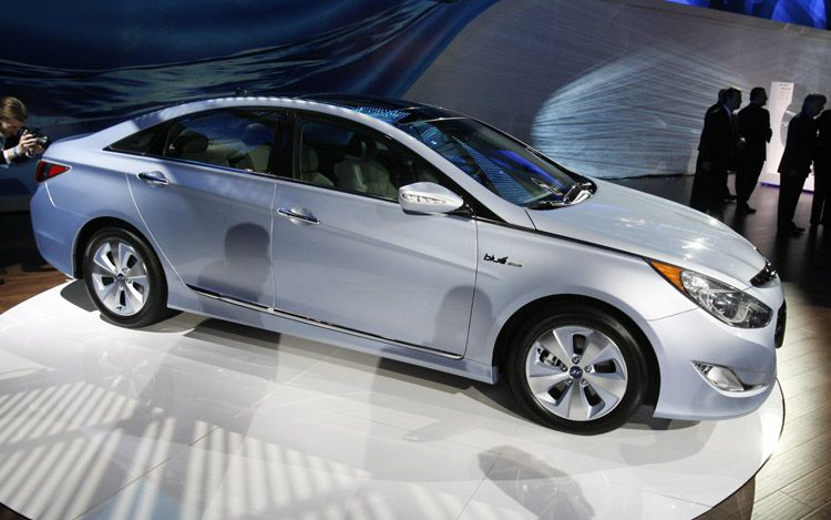 2011 Hyundai Sonata Hybrid Gas Mileage Version (3)