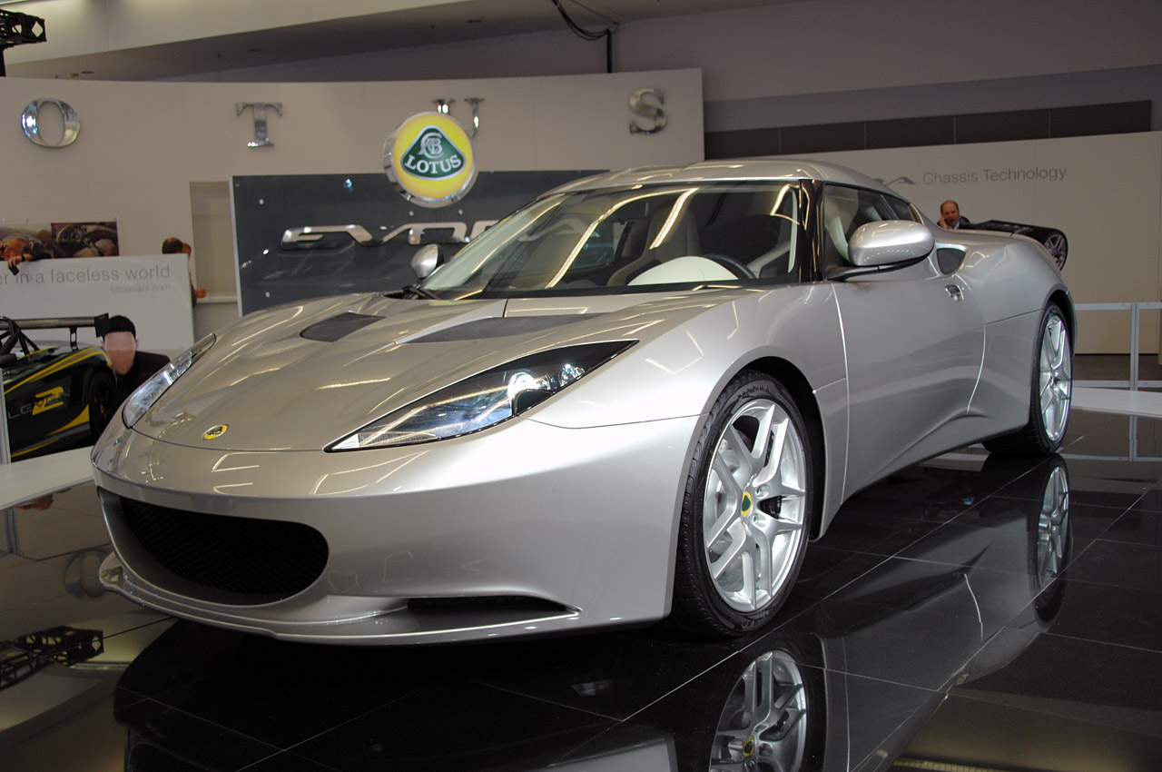 2011 lotus evora sc photos features price. Black Bedroom Furniture Sets. Home Design Ideas