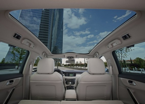 2011 Peugeot 508 SW from Interior View Picture 570x407 2011 Peugeot 508 SW   Photos, Features