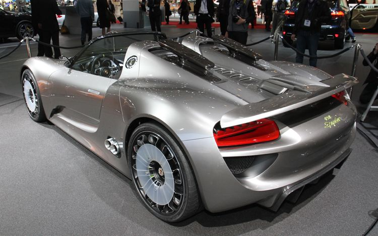 2011 porsche 918 spyder concept photos features. Black Bedroom Furniture Sets. Home Design Ideas