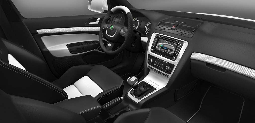 Skoda has unveiled their first electric car 2011 Octavia, based on the Green