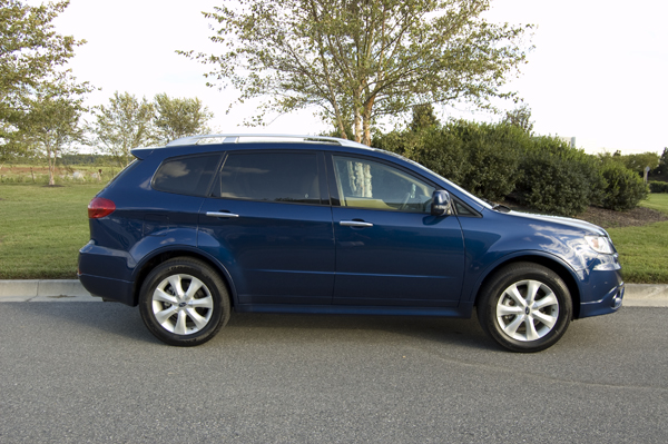 2011 subaru tribeca side 2011 Subaru Tribeca   Photos, Features, Price