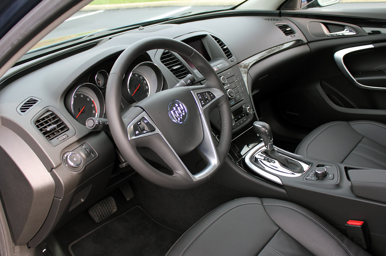 26 2011 buick regal cxl review 2011 Buick Regal CXL   Features, Photos, Price