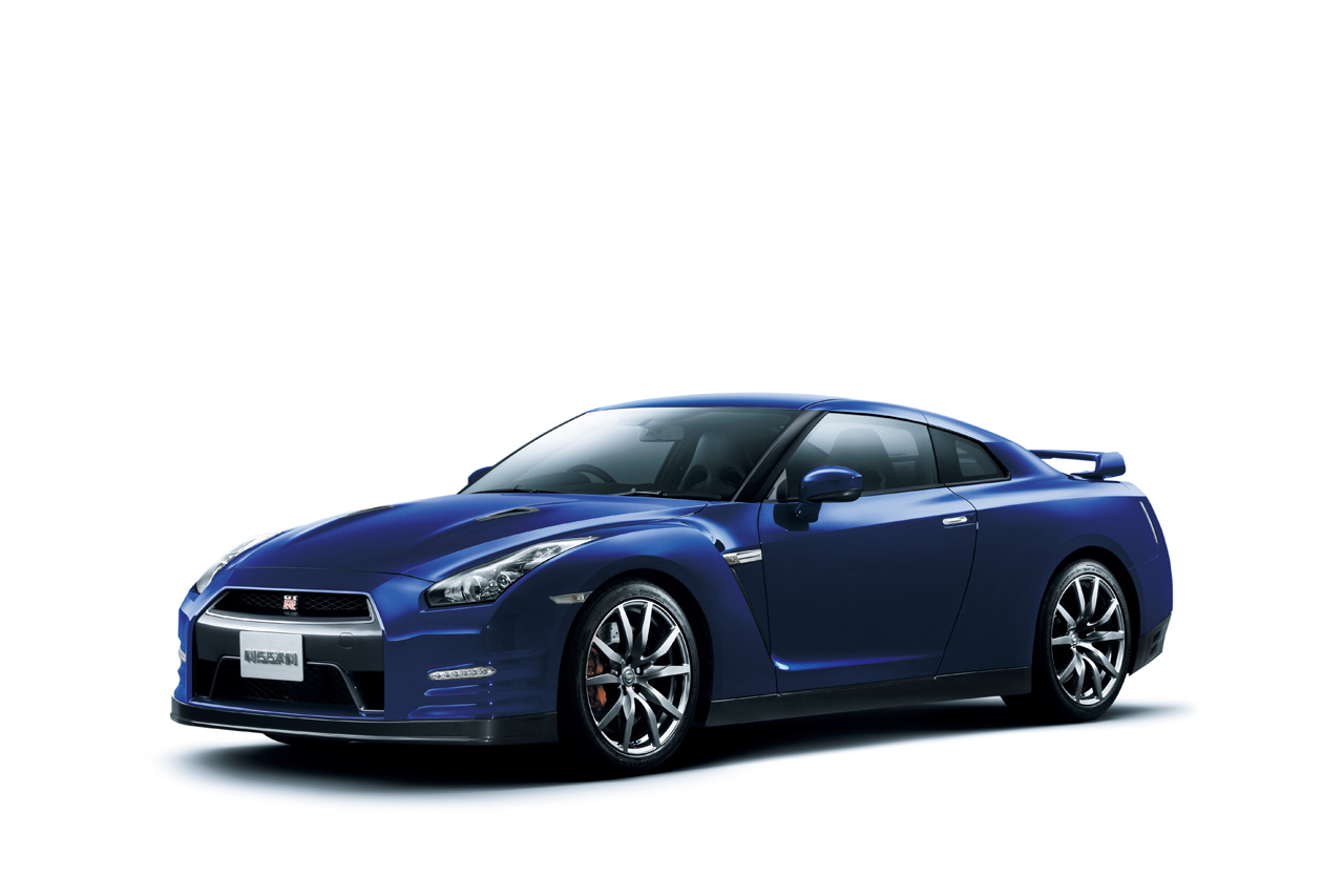 r35101018 06 2011 Nissan GT R   Features, Photos, Price