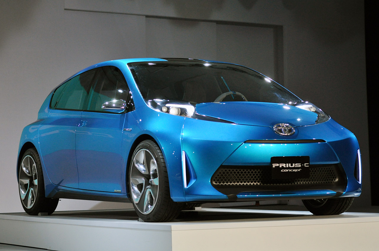 2011 toyota prius c concept photos features. Black Bedroom Furniture Sets. Home Design Ideas