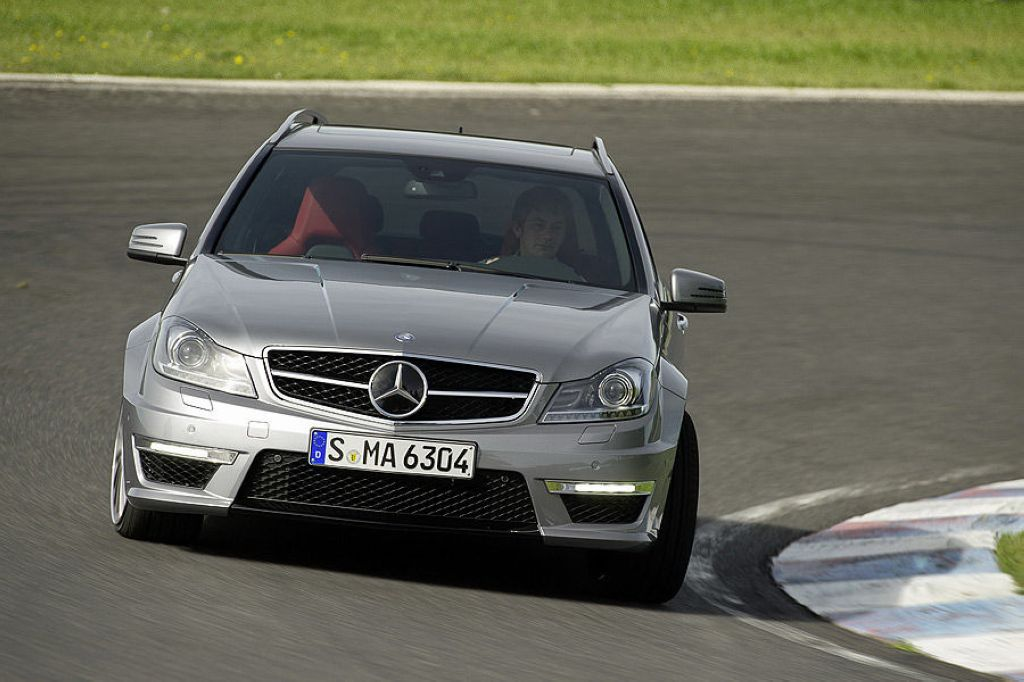2012 Mercedes Benz C63 AMG 21 The first peek at the 2012 Mercedes Benz C63 AMG & Offical photos