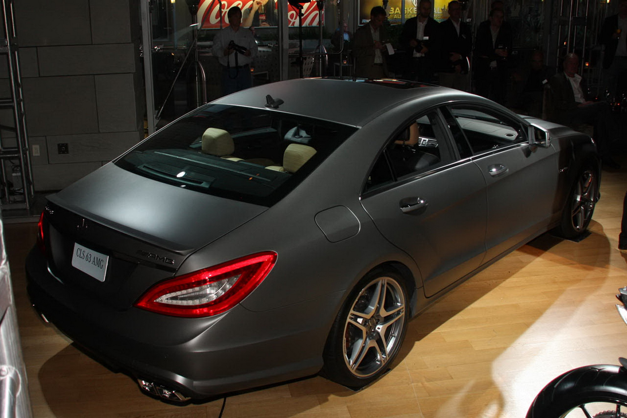 2012 mercedes benz cls63 amg photos features. Black Bedroom Furniture Sets. Home Design Ideas