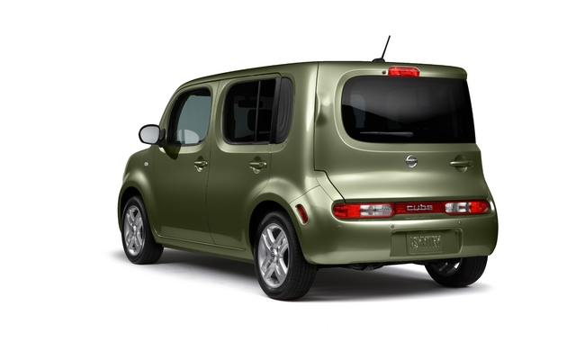 20833 2011 nissan Cube1 2011 Nissan Cube   Photos, Features, Price