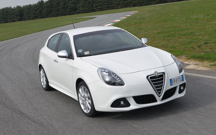 the awesome alfa romeo giulietta 2011. Black Bedroom Furniture Sets. Home Design Ideas