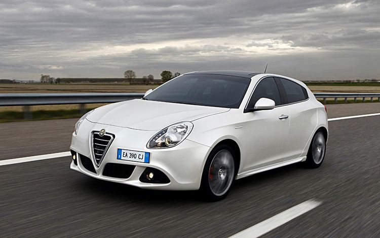2011 Alfa Romeo Giulietta 8 The awesome Alfa Romeo Giulietta 2011