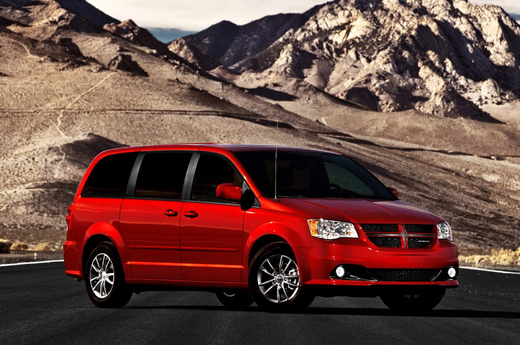 2011 dodge grand caravan rt 1024x680 Dodge, Grand Caravan R/T Cars Will Be Launched for Chicago Car Show 2011