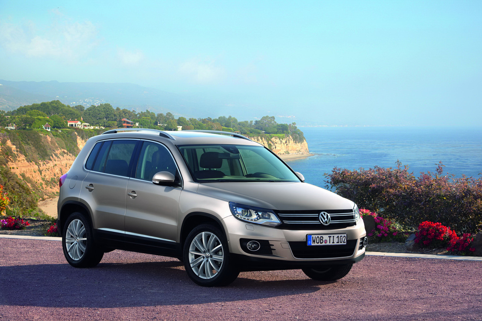 volkswagen will release photos of 2012 tiguan suv face lift. Black Bedroom Furniture Sets. Home Design Ideas