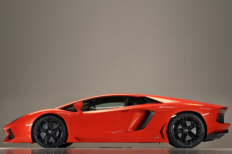 Lamborghini Aventador Lamborghini Aventador Vehicles More Competent and Beautiful in Design