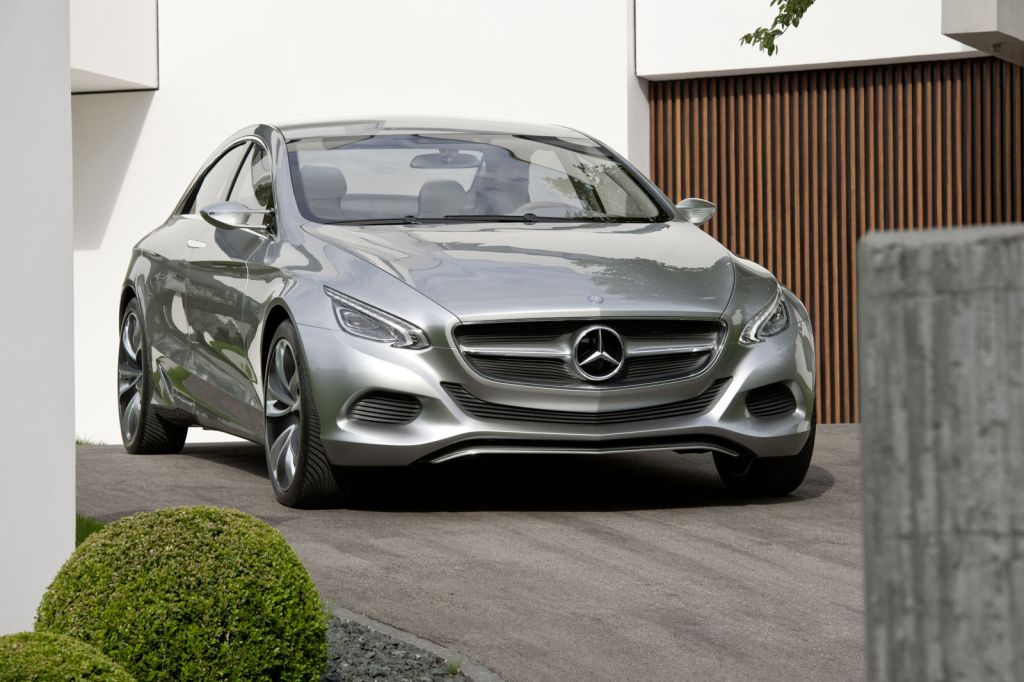 Mercedes benz introduces small suv and baby cls for the for Small mercedes benz