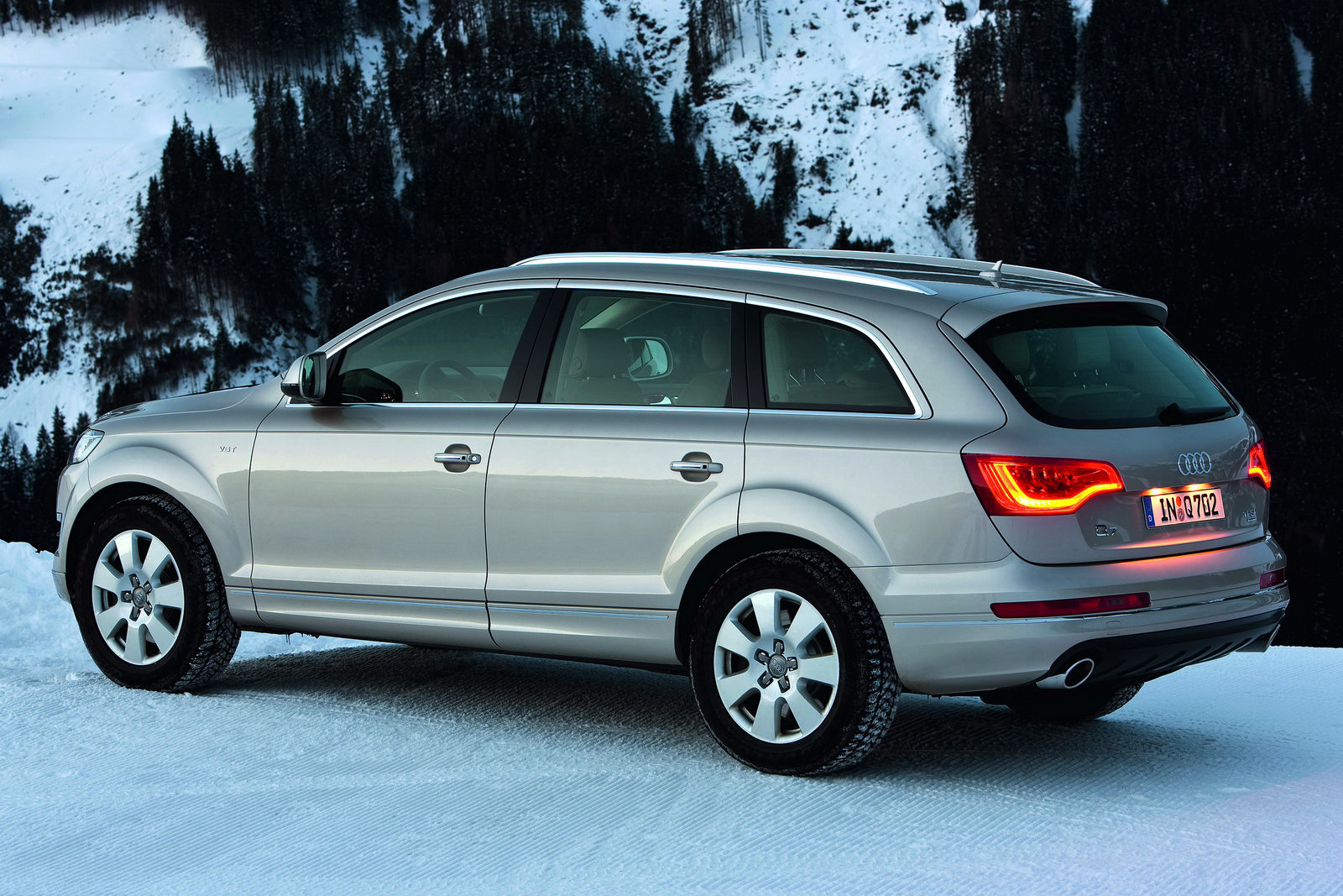 2011 Audi Q7 SUV 1 2011 Audi Q7 SUV Installed With NewV6 Engines, 8 Speed Transmission and Supercharged TFSI