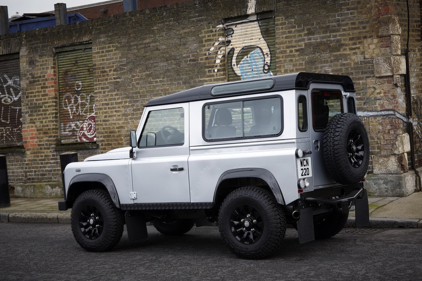 2011 Defender X Tech 6 Land Rover Releases the Limited Edition 2011 Defender X Tech