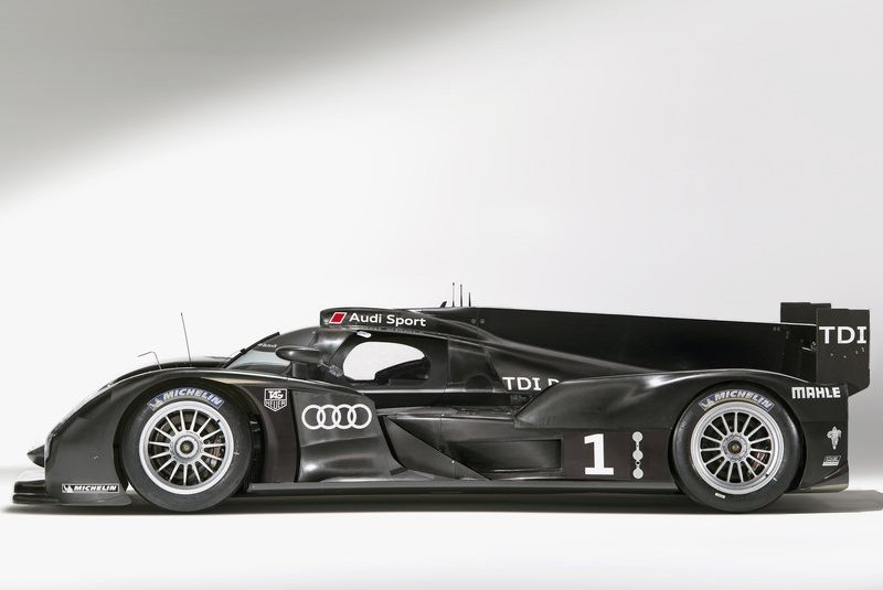 2011 audi r18 5 Audi R18 with More Revised Features