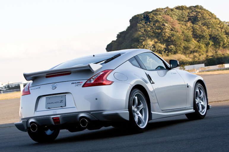 2011 nissan nismo 370z 4 Nissan NISMO 370Z with incredible 350Hp Make its Appearance in Japan